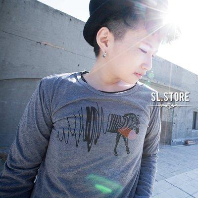 SL Store【CLT003】斑馬圖案設計休閒圓領棉質長T.灰/M/L/XL