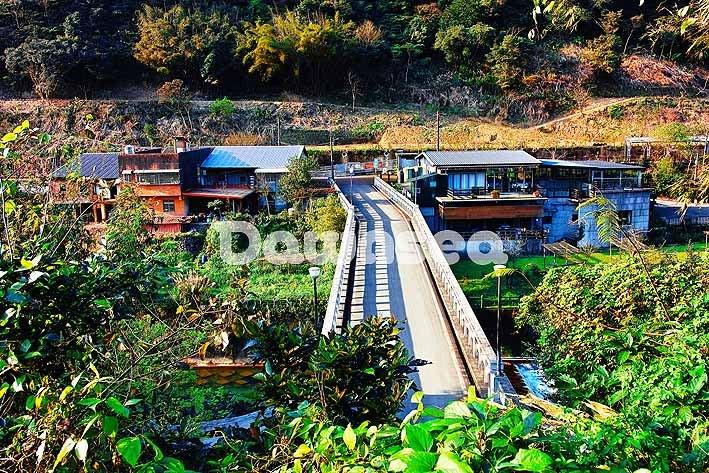 台灣圖庫.圖片.照片出租.平溪線鐵路嶺腳火車站.專業攝影師拍攝.想租多少價格.你決定專案.