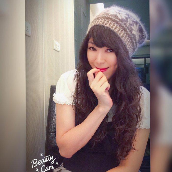*Beauty*耶誕節咖啡色毛海織花毛球毛線帽 CR