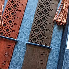 盒裝成品木尺書籤14X2.7X0.2CM 2枚 古典窗櫺書籤 原木書簽 鏤雕窗花 中國風木雕書籤