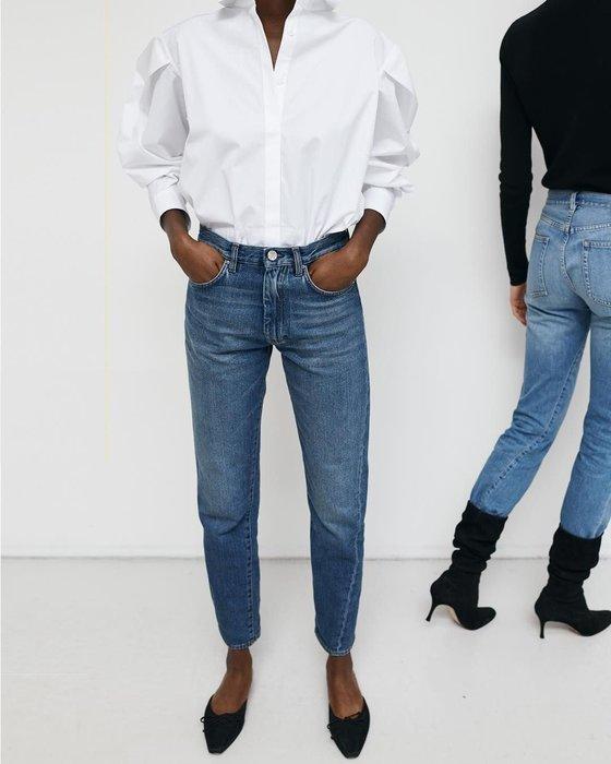 CC Collection 代購 Toteme 斜裁設計水洗藍小直筒牛仔褲
