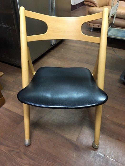 城市二手家具*實木皮革設計款造型餐椅*洽談椅-接待椅-麻將椅-辦公椅-電腦椅-休閒椅-美甲椅-工業風-皮革椅-等候椅