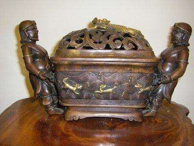 陶木屋 清  銅鎏金胡人海獸熏爐  重4.7公斤