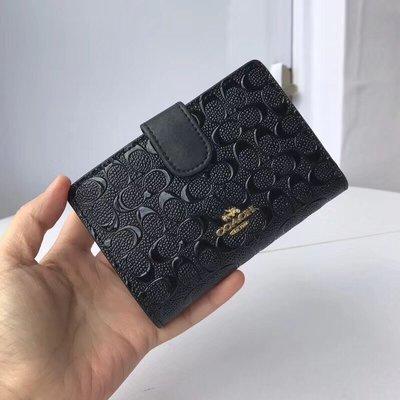 【紐約女王代購】COACH 寇馳 25937 新款壓花全皮中夾 黑色 錢包 美國代購