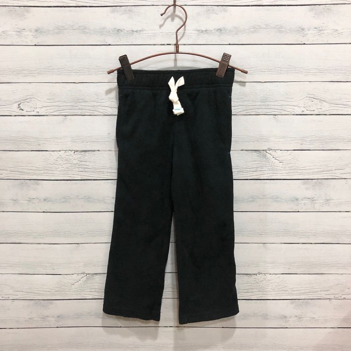 Maple麋鹿小舖 美國購買童裝品牌 carter's 男童黑色絨長褲 * ( 現貨4T )