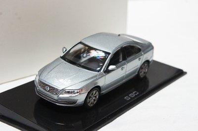 【超值特價】Volvo 原廠 1:43 Norev Volvo S80 2015 Saloon 銀色