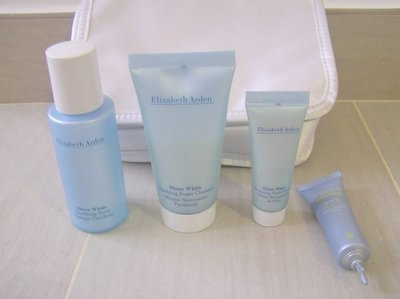 【Elizabeth Arden】Face Cleaning & protection Set 加 Pooch Bag面部護理套裝,一袋四瓶,原$290