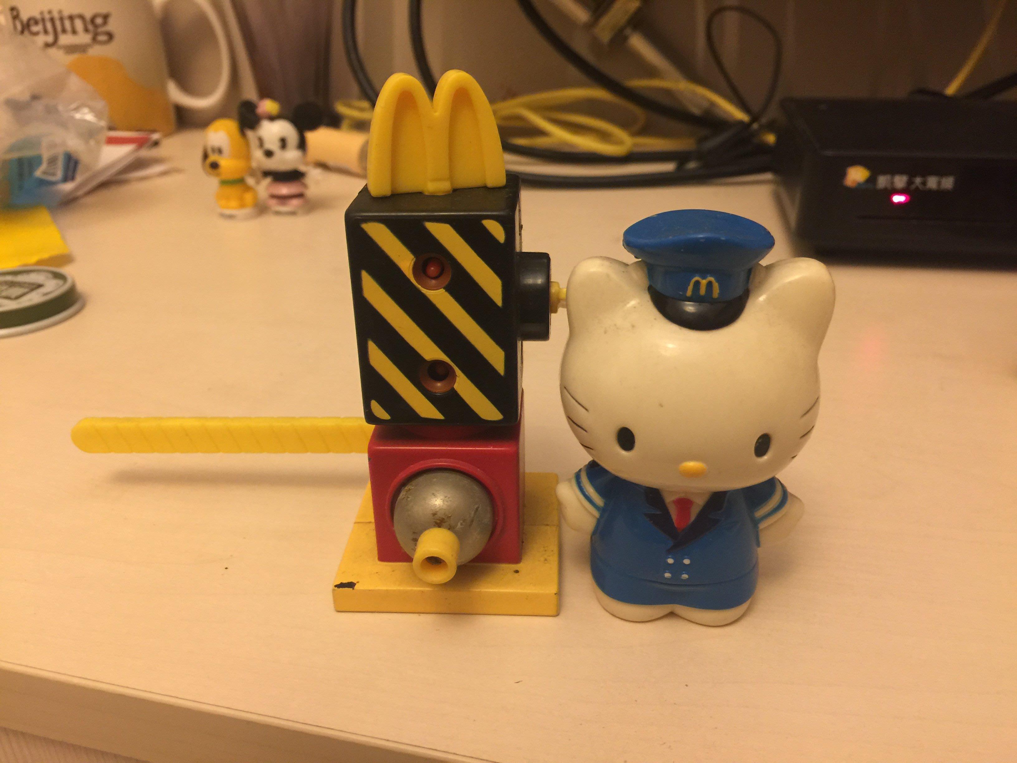 Mister Donut Hello Kitty 公仔