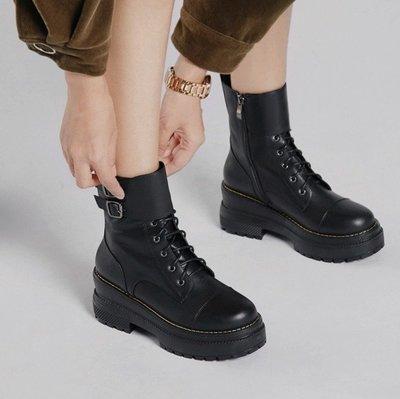 Fashion*主打~側拉鏈短靴 扣帶輕便馬丁靴 防滑橡膠發泡底厚底靴『黑色』34-39碼