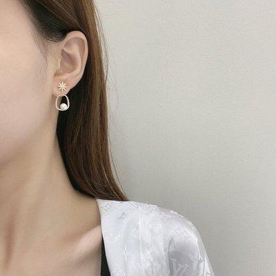 小何 ~N086韓娜斯日韓精致鏤空耳飾時尚微鑲銀針耳環貝珠個性超閃耳飾