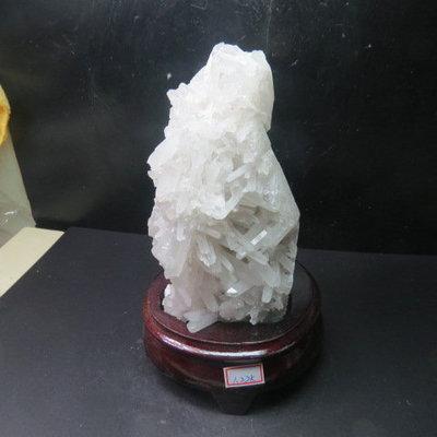 【競標網】頂級漂亮巴西天然3A白水晶簇原礦1220公克(贈座)(網路特價品、原價3800元)限量一件