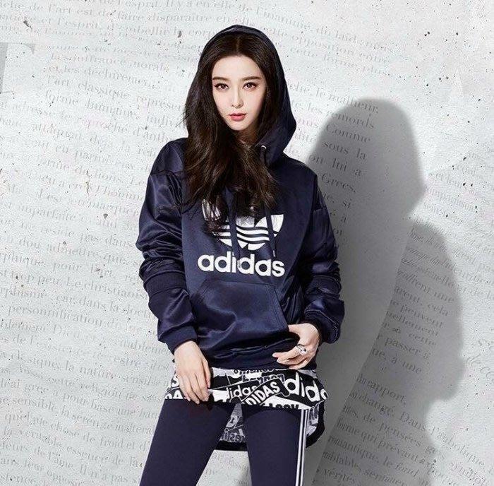 愛迪達 Adidas Originals 三葉草 BP9406 深藍 緞面 帽T 連帽T桖 藍白 大學T 范冰冰/澤米