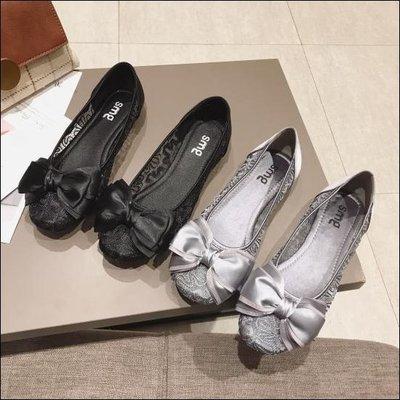 六月芬蘭方頭蕾絲緞帶簍空蝴蝶結娃娃鞋平底鞋包鞋女鞋黑色灰色(35-41大尺碼)現貨