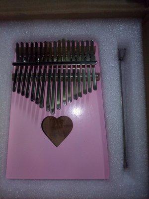 愛心 粉紅漆 手工 實木質 十七音手指琴 ORFF 木製 17音拇指鋼琴 彈奏水晶音樂 Kalimba 非洲 民族 樂器