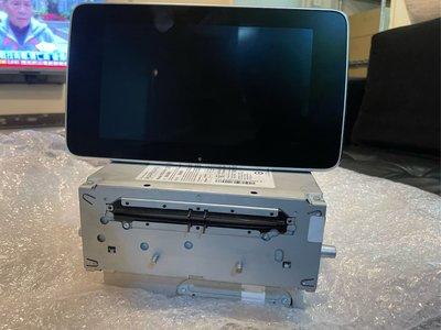 台中 巨博 賓士 W205 X253 原廠 8.4大吋螢幕+comand 高配主機內置硬碟 可灌原廠導航