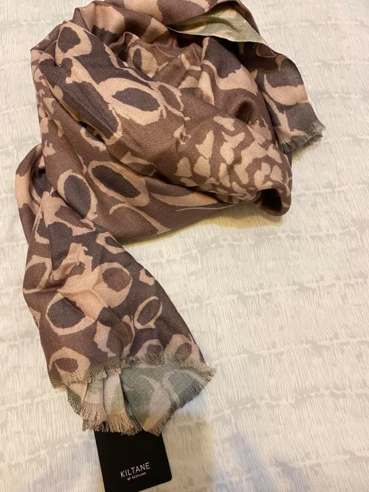 KILTANE of scotland   全新薄羊毛圍巾
