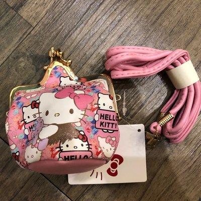 超可愛 Hellokitty 零錢包 附背袋 雙租扣式 皇冠造型 公主風  正版授權 只有一個  002