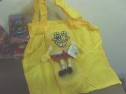 全新海綿寶寶購物袋(收起來是海綿寶寶玩偶,1袋兩用適合出門用,市面上少有要買要快歐)