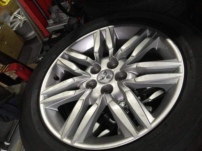 保證正品  mitsubishi 18吋鋁圈  5x114.3 一個只要2999元  新車卸下 總共4顆