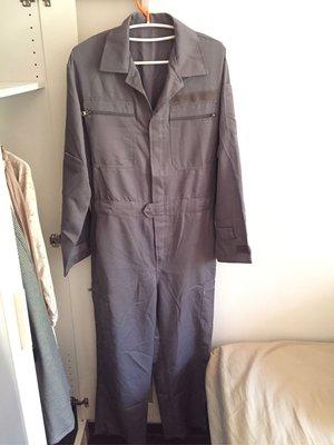 全新連身工作服 台電汽車維修工頭做工的人 贈送Uniqlo發熱保暖西褲一件