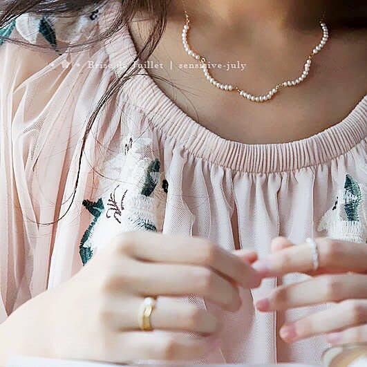 FJ05-法式手工輕珠寶-頸上的雲朵 迷你珍珠弧形項鍊  agete風格