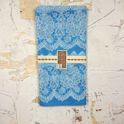 《散步生活雜貨》日本製 夜長堂 大判はんかち 昭和復刻圖案 大方巾 手帕-蕾絲藍