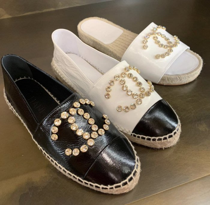 Chanel sneakers CC logo 山茶花拖鞋
