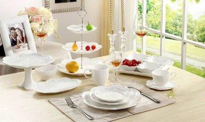 三層蛋糕架--蕾絲浮雕鏤空三層蛋糕盤/點心架/甜點/蕾絲/佈置/下午茶--秘密花園