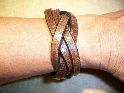 木紋色加寬麻花手環可訂做尺寸 可以刻字Cheergiant leather craft bracelet 巧將手工皮雕手創禮品