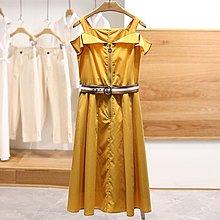 【木風小舖】英倫風 拉鏈造型 露肩洋裝(附腰帶)*2色