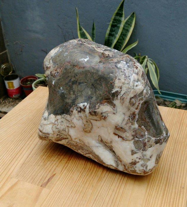 天然三峽文石大顆原礦擺件/重4681公克,老珍藏超大件稀有三峽文石手工拋光,大顆的三峽文石是很難尋獲,只有一件