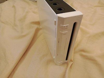 大媽桂二手屋,Nintendo任天堂Wii主機,型號:RVL-001(JPN),含全套配件,送兩組手把,測試功能正常,只要1300元,網路最低