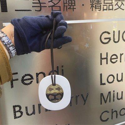 名品商行 2手名牌 Hermes  經典 水牛角鏤空 項鍊 吊飾 狀況95新参考圖片 尺寸W7cmH8.5 盒子 附店面購買證明