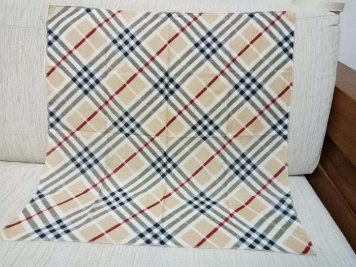 天使熊雜貨小鋪~日本帶回(格紋)方巾 手帕  現貨:卡其/藍色格紋2款  全新現貨