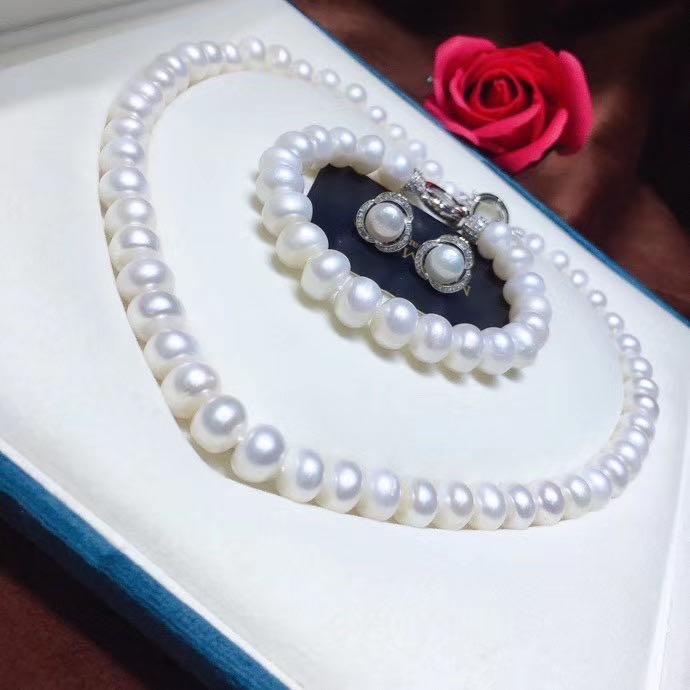 10-11mm左右大顆粒淡水珍珠項鍊➕手鍊➕耳釘➕胸花(隨機送)!這麼大顆粒這個價位的真的很少,項鍊➕手鍊