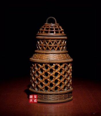 【收藏級•蟈蟈罐】【難得好物】 隆重登場~~ 上海華寶樓木雕名店 珍藏釋出--典藏級精品 黃楊木精雕