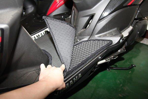 MILK71322目光踏墊-消光黑卡夢雙層止滑機車腳踏墊GTR AERO完美彌補踏板隆起處使踏板更加平整