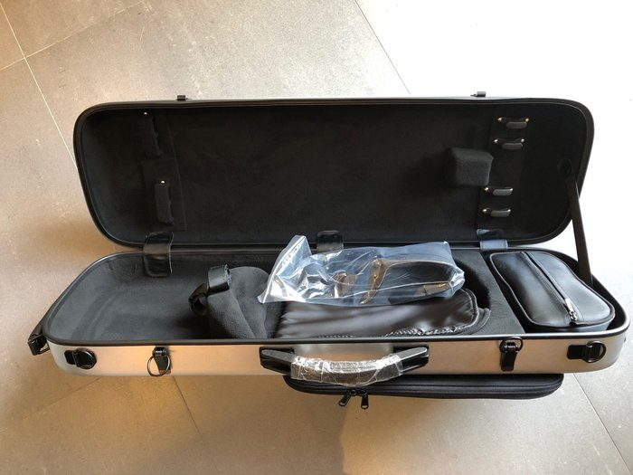 【六絃樂器】全新高質感銀色髮絲紋 輕量化四方型小提琴盒 / 現貨特價
