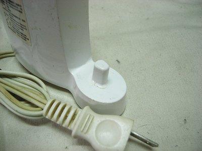 二手-德國製 百靈牌 BRAUN 電動牙刷充電器 Braun Oral-B  D17511u 充電器