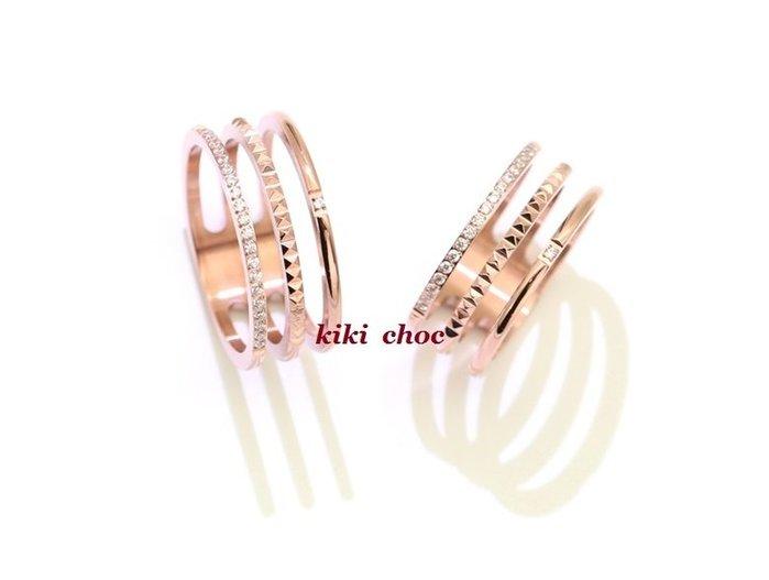 ♥kiki choc♥*鈦鋼材質*不過敏 小奢華細鑽立體刻紋鏤空三排三環食指戒 寬版戒指 指環