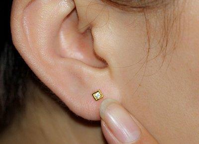 梵玉善緣 新款  足金 999黃金 方格款 鋯石耳釘 耳針 一只的價格