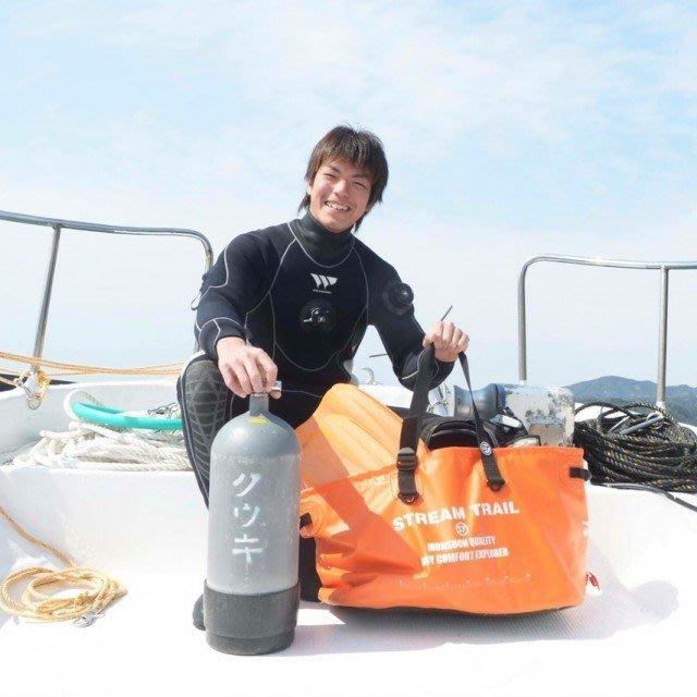 日本Stream Trail 戶外防水包/ 旅行包.渡假包/手提大型沙灘多用途Carryall DX-0火焰橙 容量超大