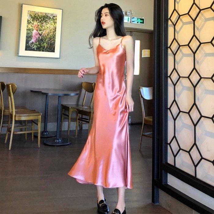 小尤家~夏新款流行海邊度假裙子ins小性感中長款緞面V領魚尾連衣裙女