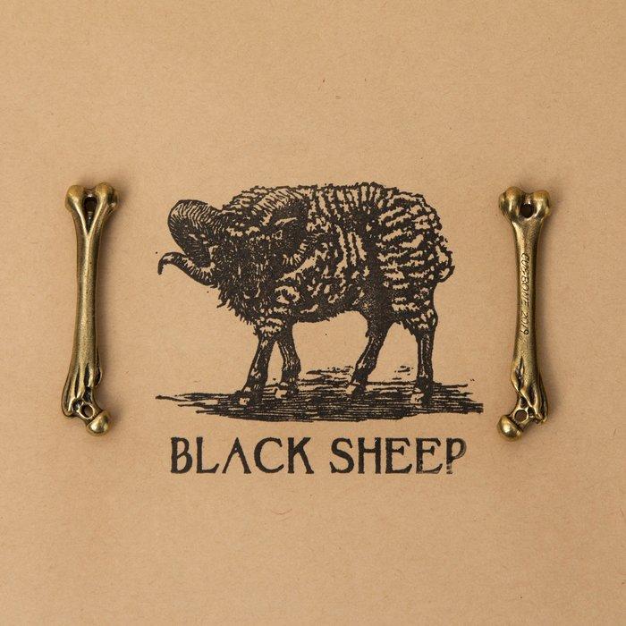 黑羊選物 大腿骨 黃銅飾品 純銅製成 做舊質感 潮流送禮小物 復古飾品 做工精細 平價配件
