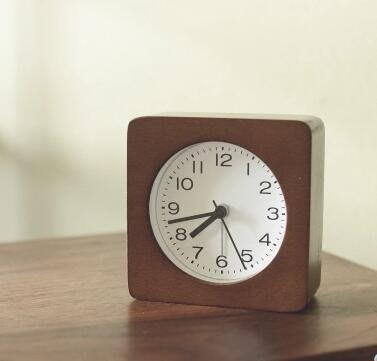 現貨/北歐風格 日式簡約木質鬧鐘 實木座鐘兒童鬧鐘臥室鐘錶臺鐘/海淘吧F56LO 促銷價