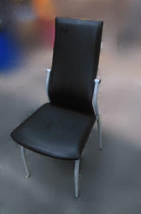 樂居二手家具 F0501EJJ 黑色皮餐椅 洽談椅 書桌椅 電腦椅 會客椅 2手各式桌椅拍賣【全新中古家具家電賣場】