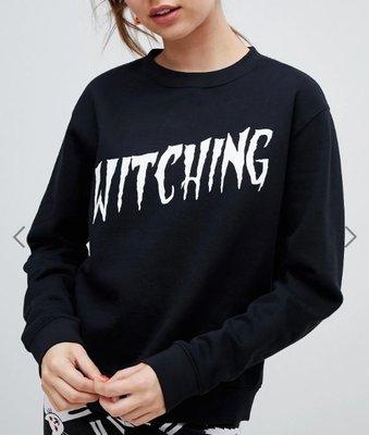 黑色WITCHING字母圓領長袖棉質T恤上衣 Slogan sweatshirt in black 瑞典流行永續時尚品牌