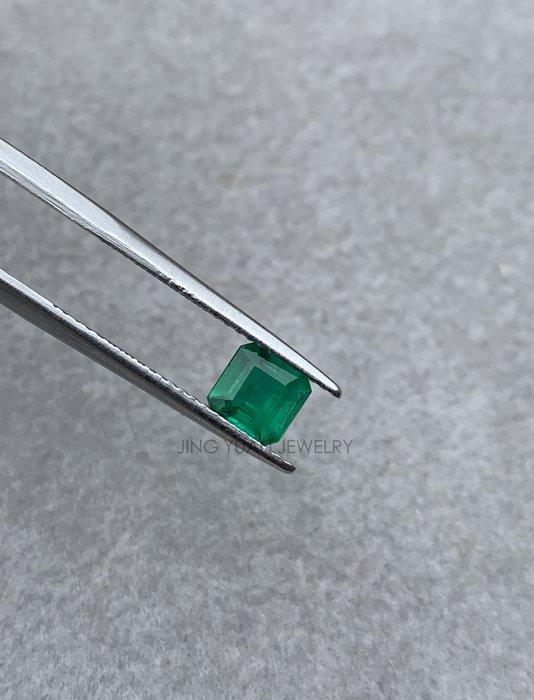 JING YUAN JEWELRY 哥倫比亞微油祖母綠裸石0.56ct 實品比照片顏色濃 面超大 可做戒指也能做墜子