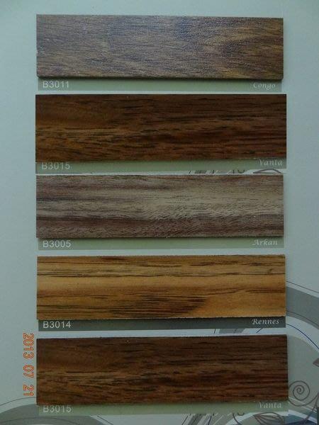 時尚塑膠地板賴桑~ Breeze品牌~ 大尺寸長條木紋塑膠地板~每坪只要1300元(特價出清)