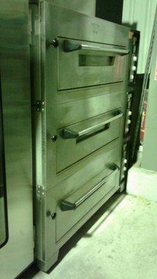 達慶餐飲設備 八里二手倉庫 二手商品 4尺7三層六盤電烤箱